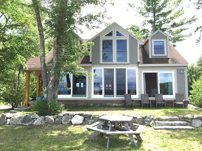 Luxurious Adirondack home overlooking the white mtns & Ossipee lake