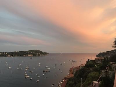 Schöne neue Ferienwohnung mit Panorama-Meerblick