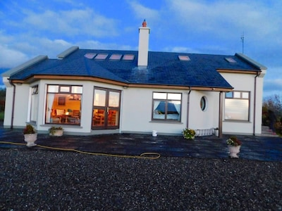 Ogonnelloe, County Clare, Ireland