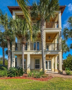 Welcome to your Destin home away from home!