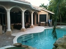 Heated pool, barbecue, lounge area, outdoor dining