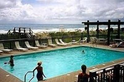 Oceanfront Swimming Pool