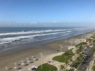 Vista ao longo da Avenida Beira Mar, simplesmente divino...