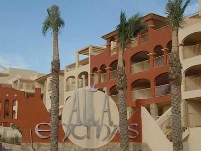 Precioso Apartamento en Alta Entinas, Almerimar, con piscina y aire acondicionado