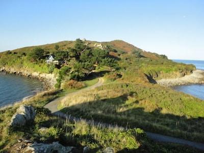 chemin d'accès à la maison située sur la presqu'ile