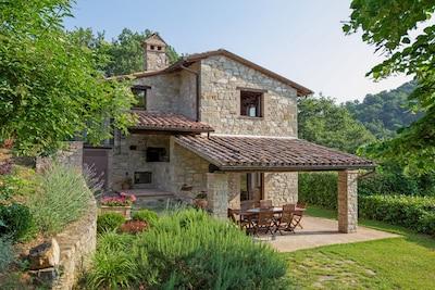 Villa Rosaspina: veranda  umbria-villa