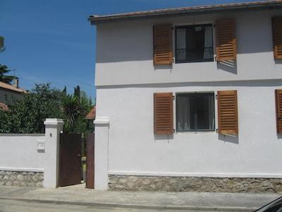 facade de la rue gustave courbet