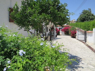 Entrance to the villa and courtyard