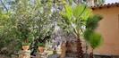 façade et jardin privatif de 400 m2.