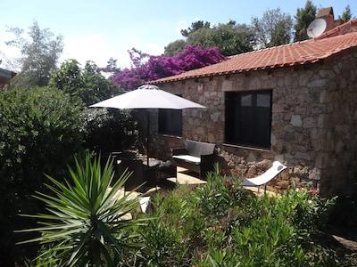 Villa Figuier et une partie de la terrasse, côté chambres