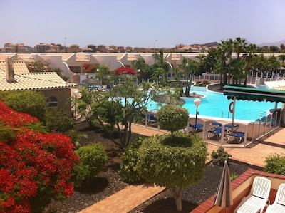 101 The Palms lovely 2 bedroom house Pool View,  WIFI   (Air Con optional )