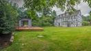 Gartenansicht mit Grillpavillon