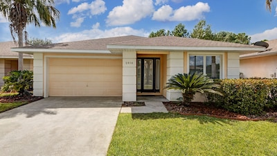 2916 Sunset Vista Court is well maintained and is fully air-conditioned.