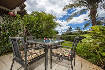 Sunny lanai with THE view for your morning coffee