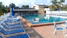 Private beach w chairs/loungers provided just 2 min from pool