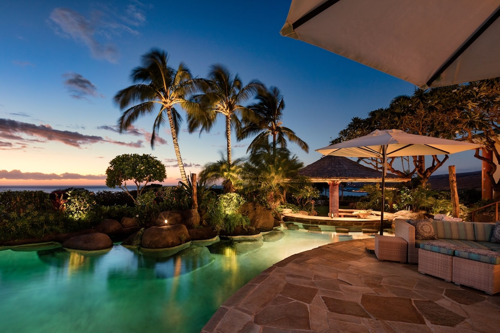 This Airbnb in Hawaii island comes with a gorgeous rock pool