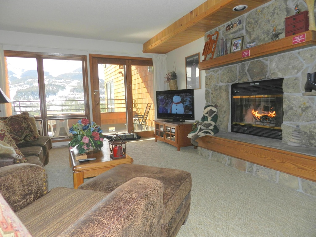 Indoor Private Hot Tub Wood Fireplace 2br 2ba Great Views Sleeps 7 Big Sky Mountain Village