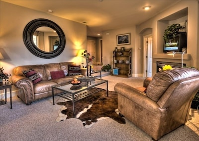Leather Sofa, Recliner & Southwest Decor