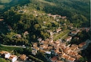 Villa Luciano location dominating at the heart of Londa little town
