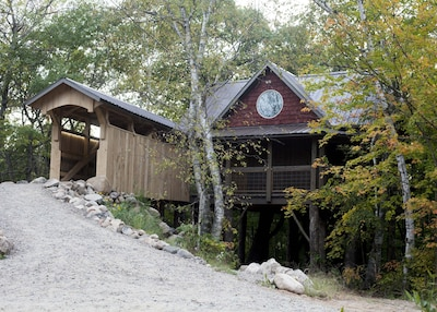 A Four Seasons Tree House With All Amenities Of A Home