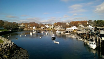 Steps from Perkins Cove!