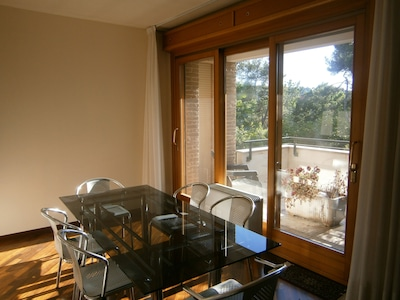 Appartamento in Villino, biciclette, fronte parco, fermata bus