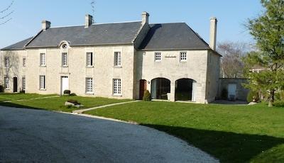 Vaux-sur-Seulles, Calvados (département), France