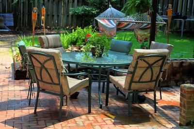 Relaxing spot for your time in Raleigh--come on over!