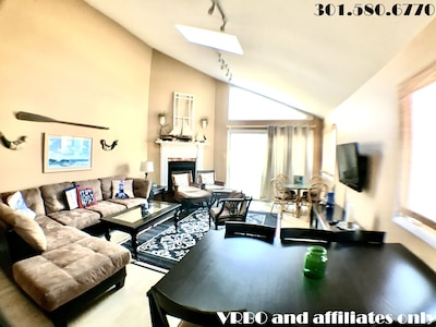 """Living Room with 42"""" flat-panel TV"""