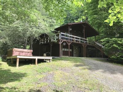 Cabin Get Away Overlooking Mount Mitchell NC