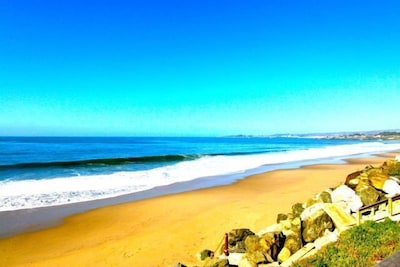 A Beautiful View & Beach (tides/swells permitting)