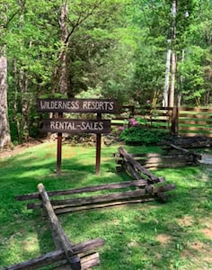 Entrance to Wilderness Resorts—Home of Big South Fork Rentals—Manager Kathy Muse