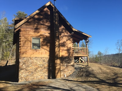 Highland Nest Cabin -  on 30 acres adjoining National Forest.   Peace & Privacy!