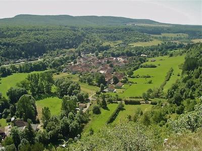 Charmante maison de village dans un quartier magnifique, à 200m du canal de Bourgogne