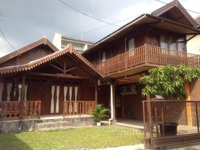 Omah Kayu Guesthouse, Yogyakarta