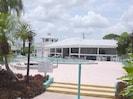 Pool  Hot Tub  Club House  Patio On The Harbor!