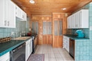 You will find everything you need in this quirky yet classic kitchen!