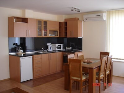 Kitchen/ dinning area