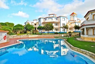 Strand von Almagreira, Peniche, Bezirk Leiria, Portugal