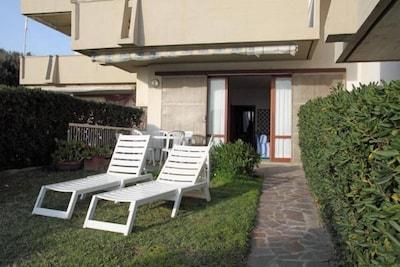 CASTIGLIONE DELLA PESCAIA - Casa con giardino