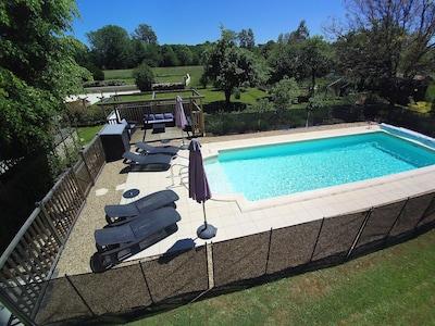 Beautiful private heated pool 10x4 meters