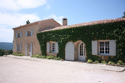 Hill Top Stone House mit spektakulärer Aussicht für bis zu 10 Personen