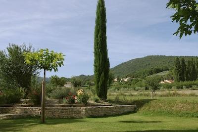 Vue sur jardin depuis la terrasse séjour