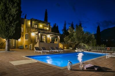 Phivos Villa by night