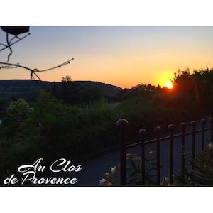 Coucher de Soleil sur Vaison depuis le Clos de Provence