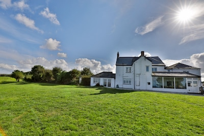 7 Bedroom house with Stunning Sea Views nr Port Isaac. Pool,games rooms,log fire