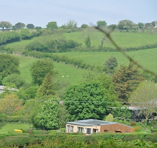 Robin & Wren Cottages in the surrounding area