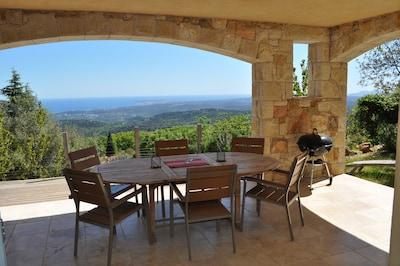 Magnifique vue mer panoramique, piscine chauffee, meublé classé 5*****,calme