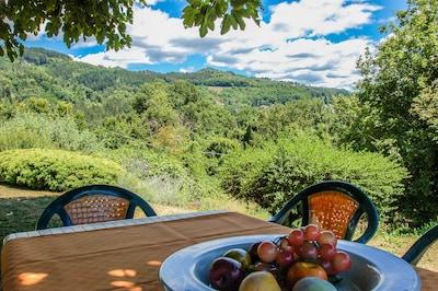 Casa con piscina privata a 2,8 km da Castiglione di Garfagnana. Vista panoramica