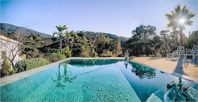 Villa de campo en Alhaurin El Grande con vistas al valle de montaña y piscina